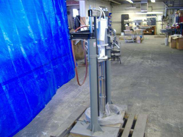 Pneumatic drum pump
