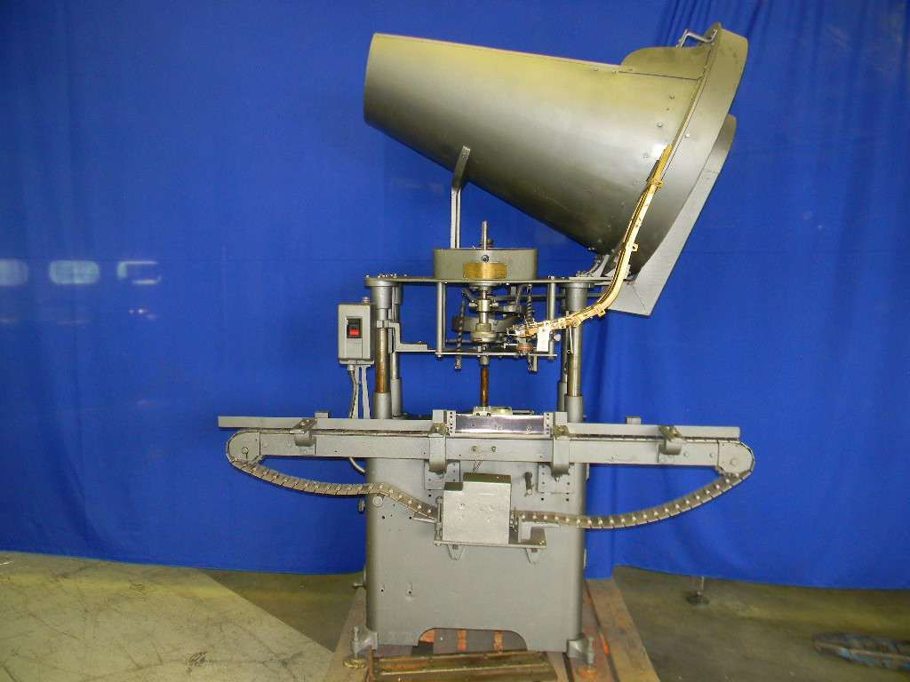Reconditioned Resina Chuck Style Capper