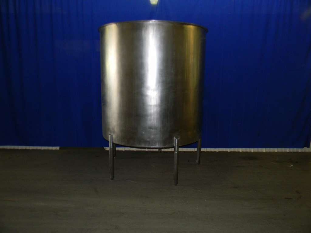 Single Wall Vertical Stainless Steel Tank 600 Gallon