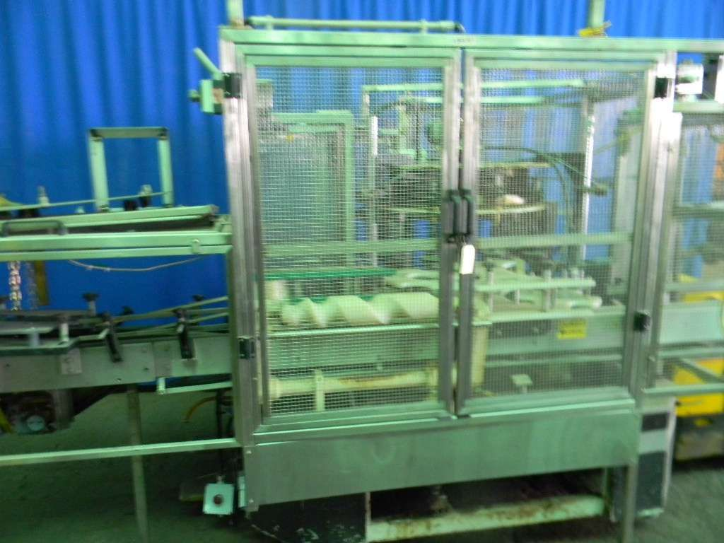 US Bottlers Rotary Hot Melt Cut and Stack Labeler