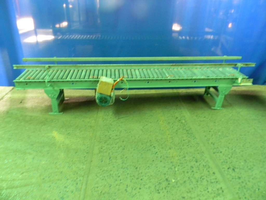 Case Conveyor - Live Roller