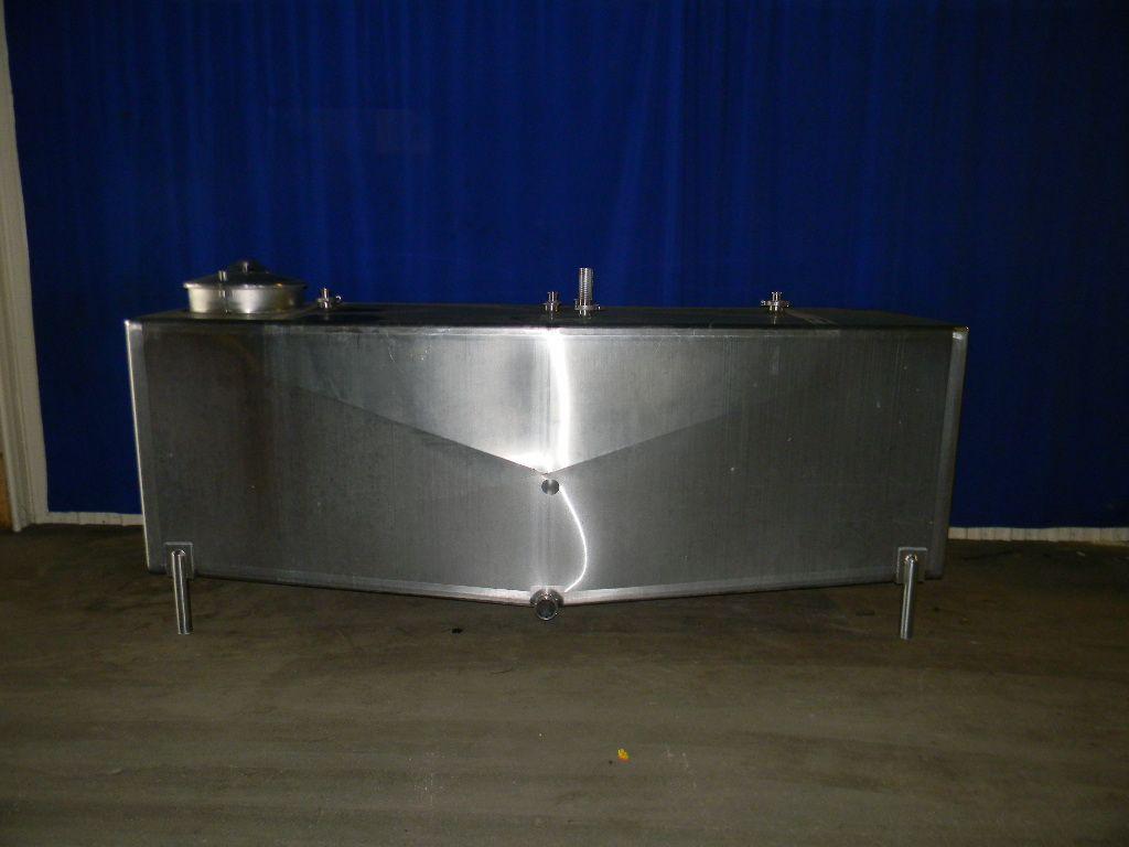 800 Gallon Single Wall Stainless Steel Horizontal Tank